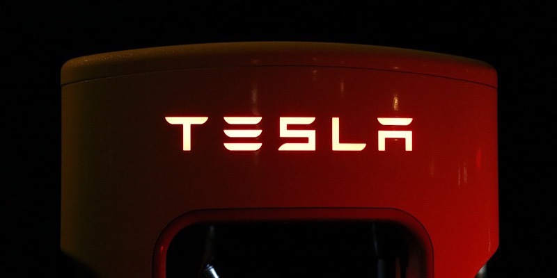 News Musk Million Robo Taxis Featured
