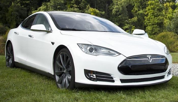 News Tesla Lane Change Car