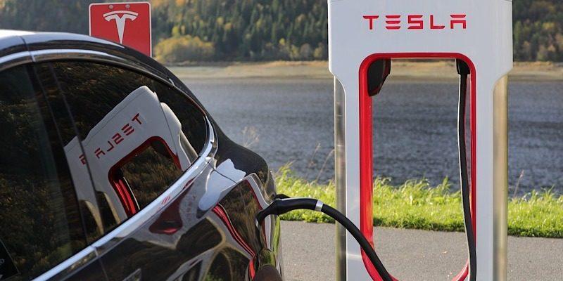 News Tesla Lawsuit Crash Featured