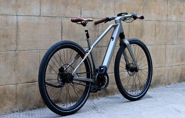 News Calamus One E Bike Parked
