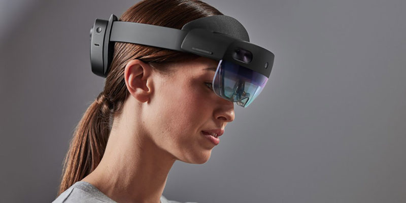 Augmented Reality Vs Virtual Reality Featured