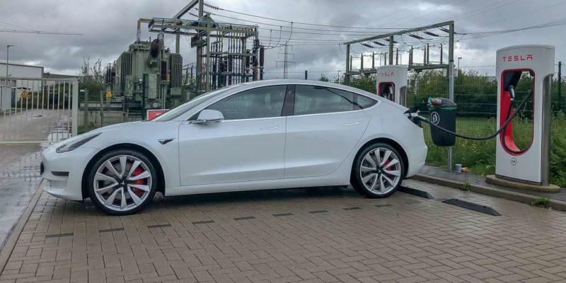 Featured Image Talking Cars Tesla