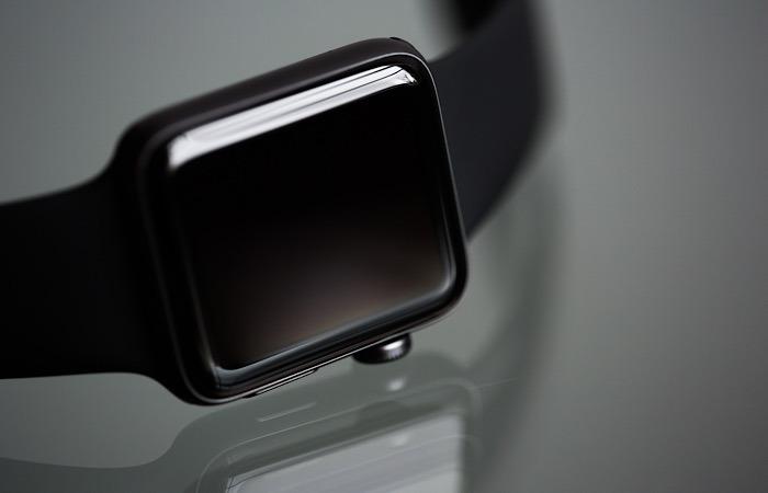 News Siri Diagnose Coronavirus Apple Watch