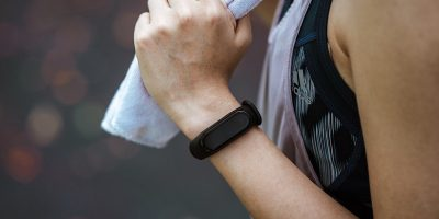 Wear Fitness Tracker Correctly Featured